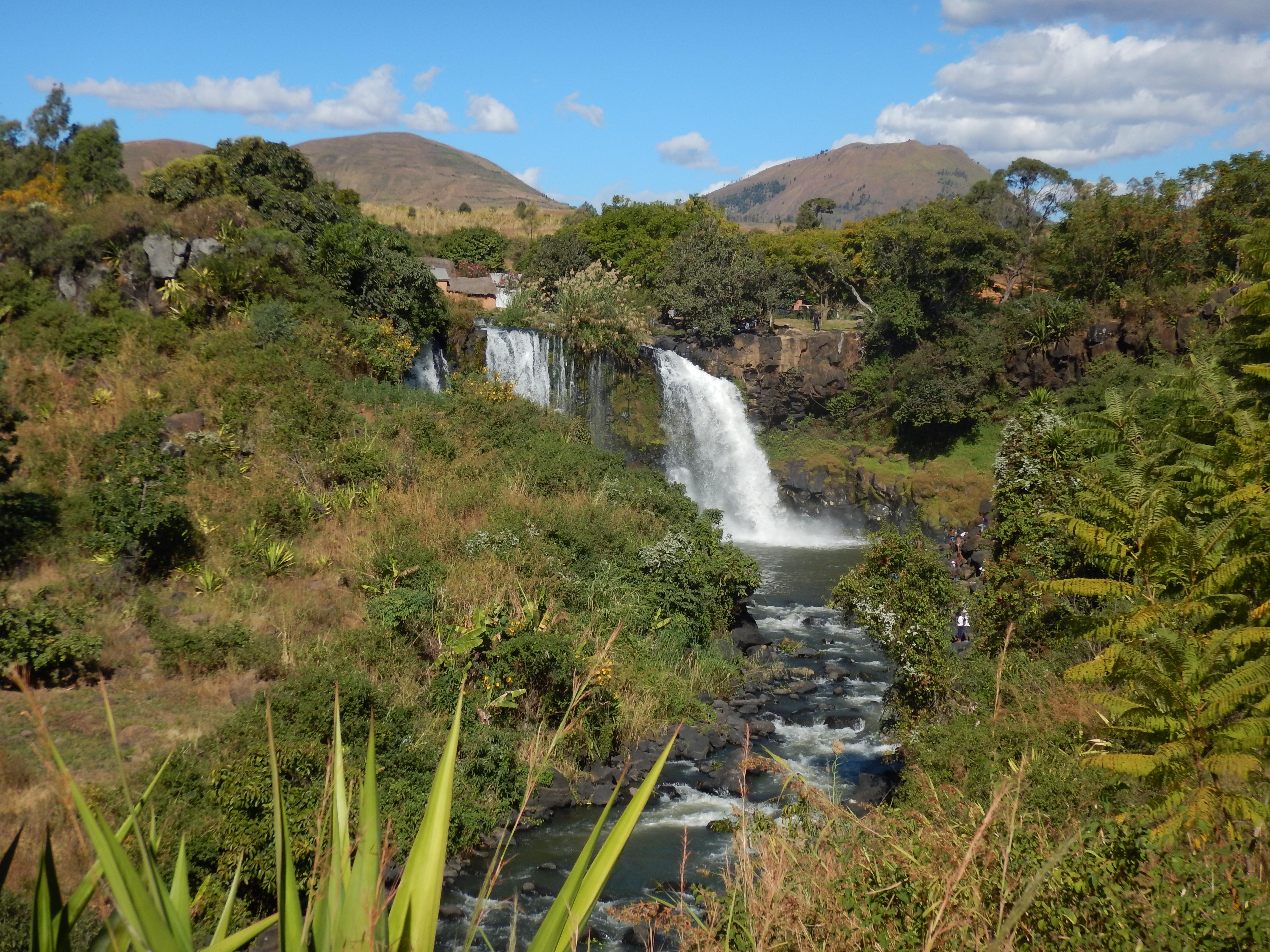 Aussicht zum Wasserfall Lily in Ampefy