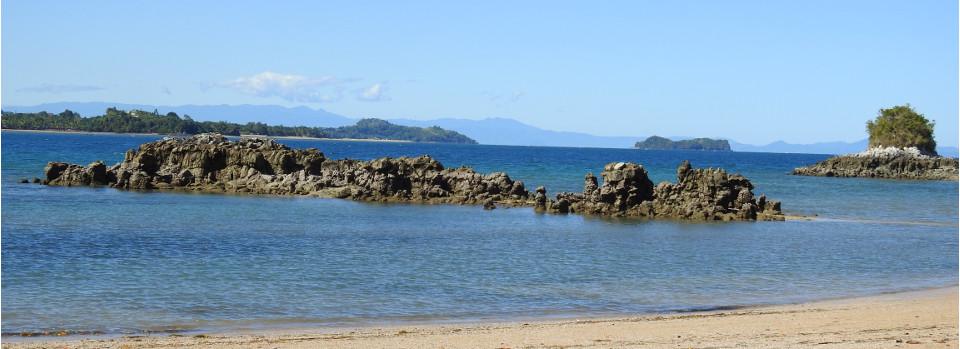 Moramora Land mit Badetagen auf Nosy bé